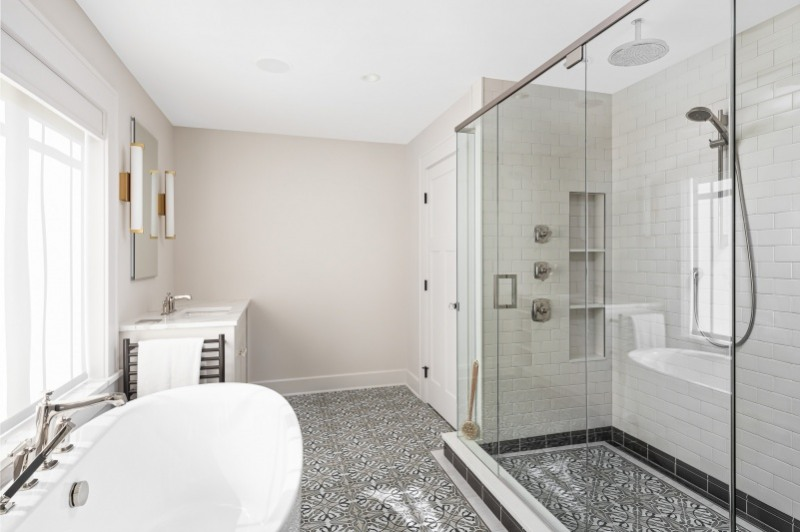 Glen Ellyn Master Bath Make Over